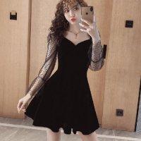 漆黒のブラックベロアに抜け感のドットチュールがファッショナブルなドレス(SEXYDRESS)