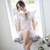 純潔の白にフリルスカートがアイドル感高めながら透け感で色気もプラスしたコスプレ(COSPLAY)