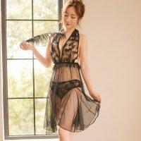 胸元にあしらわれた羽根の刺繍がイノセントな雰囲気を演出するベビードール(BABYDOLL) ブラック