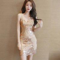丁寧に縫われたスパンコールの刺繍がゴージャス感のあるドレス(CABARETDRESS)