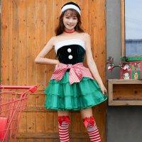 リボンラッピングが可愛いクリスマスツリー風コスプレ(COSPLAY)