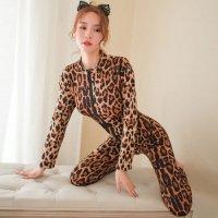 大胆なヒョウ柄が女豹のようなワイルドな色気を放ちダブルファスナーが魅惑的な雰囲気を演出するボディスーツ(BODYSUIT)