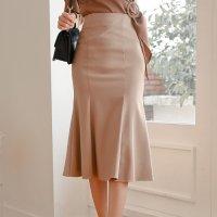 上品なデザインで女性らしいフレアスカート(SKIRT)