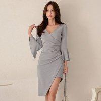 淡い色合いで落ち着いた印象のワンピースドレス(キャバドレス・CABARETDRESS)
