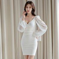 白が清楚感を演出するエアリーシフォンレース袖のミニ丈ドレス(キャバドレス・CABARETDRESS)