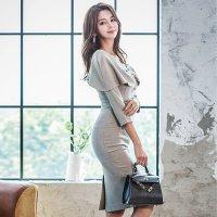 大きなリボン風の襟が特徴的なボディにフィットするミディ丈ドレス(キャバドレス・CABARETDRESS)