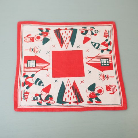 SWEDEN WHITE/RED TOMTE TABLE MAT