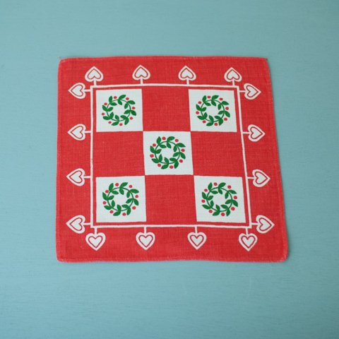 SWEDEN RED/WHITE HEART&X'MAS WREATH TABLE MAT