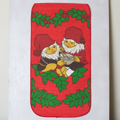 SWEDEN RED BASE TOMTE TABLE MAT