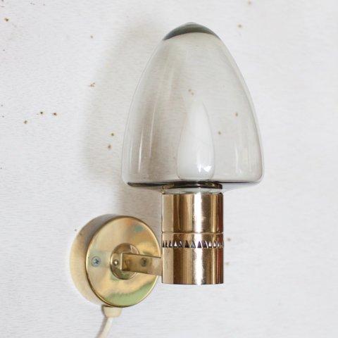 SWEDEN HANS-AGNE JAKOBSSON GLASS/BRASS WALL LAMP