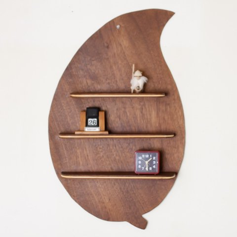 DENMARK WOOD LEAF STYLE/TEAK COLOR WALL SHELF