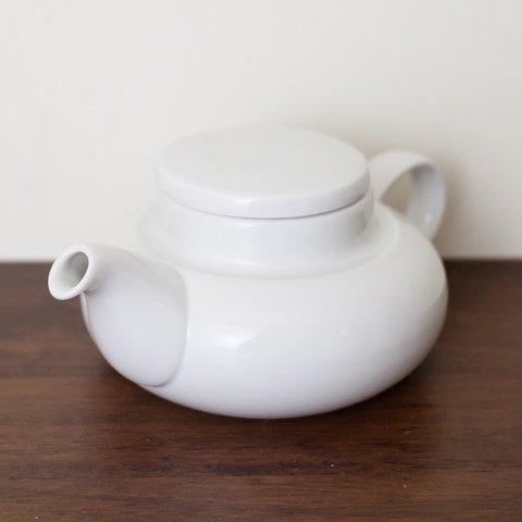 DENMARK B&G MILKY WHITE TEA POT