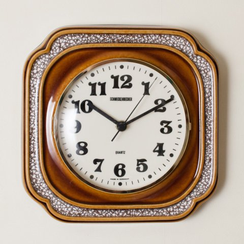 GERMANY SCHMECKENBECHER LT.BROWN CERAMIC CLOCK