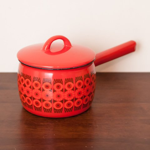 FINLAND ARABIA(FINEL) RED/BLACK ENAMEL POT