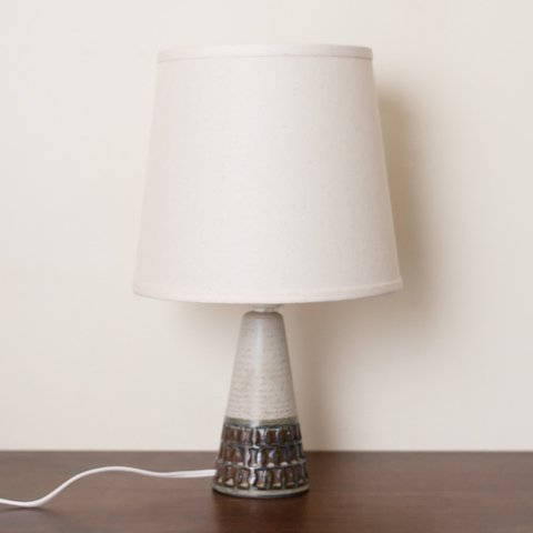 DENMARK SOHOLM DARK IVORY/DK.BROWN CERAMIC BASE TABLE LAMP