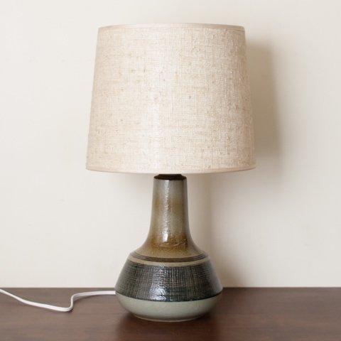 DENMARK SOHOLM OLIVE/BROWN/DK.BLUE PATTERN CERAMIC BASE TABLE LAMP W/VINTAGE SHADE