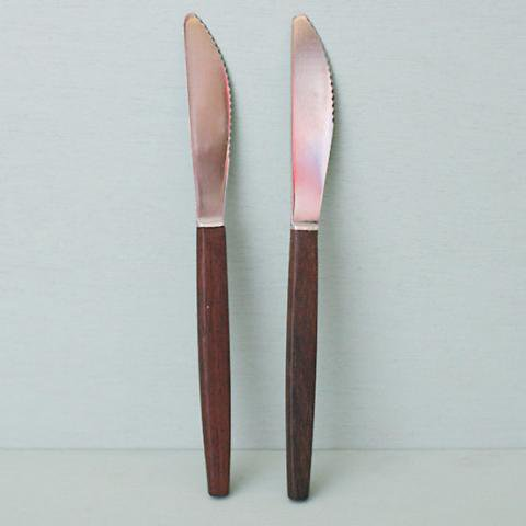 DENMARK STAINLESS/TEAK DINNER KNIFE