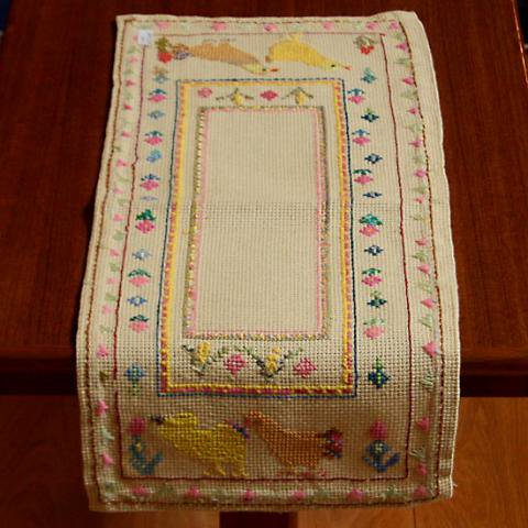 SWEDEN CHICKS EMBROIDERY TABLE RUNNER