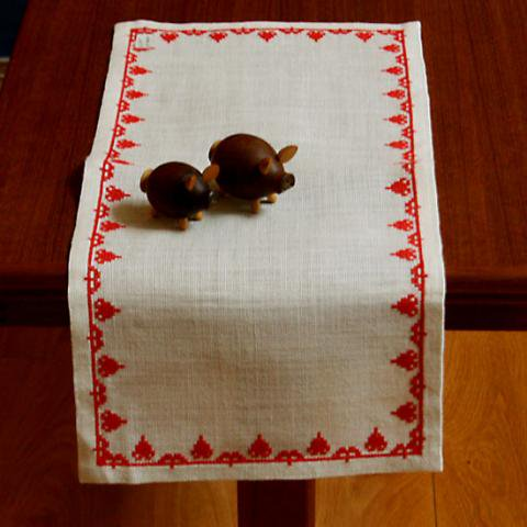 SWEDEN RED FOREST EMBROIDERY TABLE RUNNER