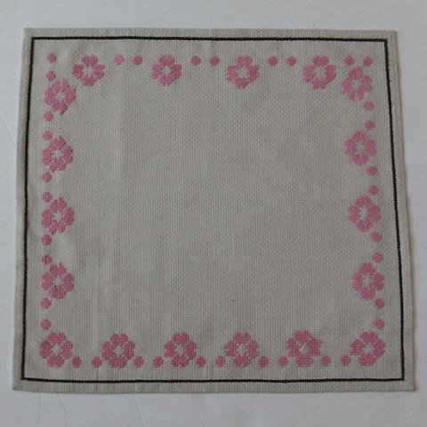 SWEDEN POWDER PINK EMBROIDERY TABLE MAT