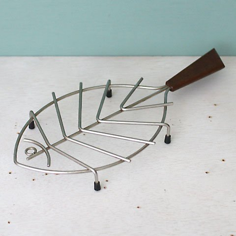 DENMARK STEEL/TEAK TAIL FISH TRIVET