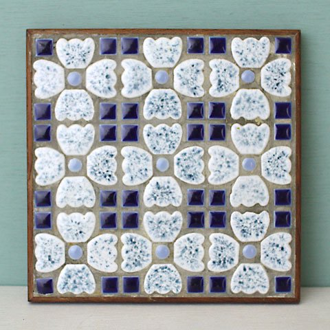DENMARK HAND MADE TILE TRIVET(WHITE)