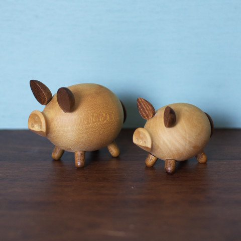 DENMARK SOLID WOOD PIGS SALT&PEPPER SET
