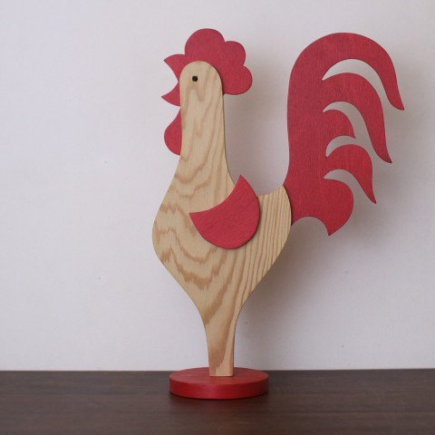 SWEDEN NATURAL/RED WOODEN CHICKEN