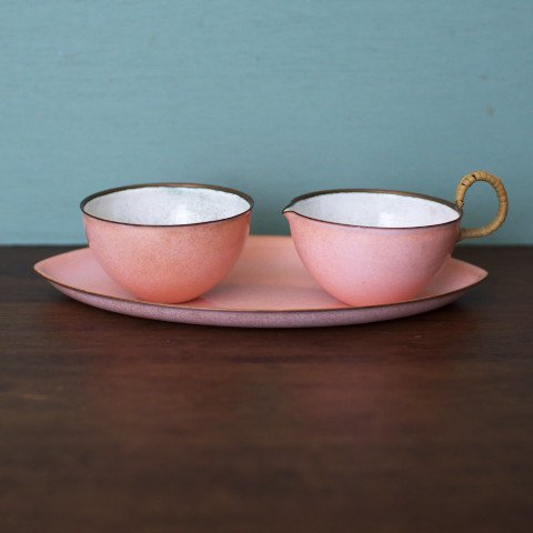 POWDER PINK ENAMEL SUGAR POT & CREAMER SET