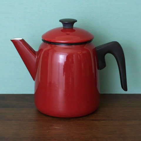 SWEDEN KOCKUMS TOMATO RED ENAMEL POT