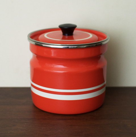 UNKNOWN ORANGE/WHITE LINE ENAMEL POT