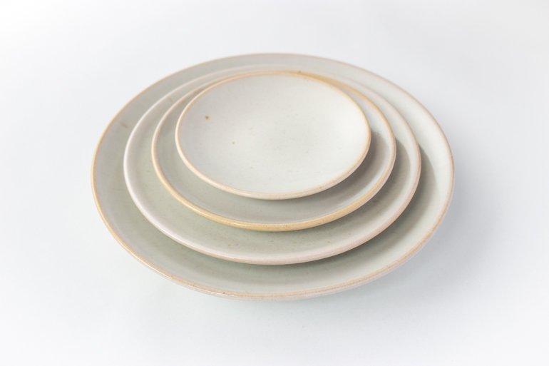 小久慈焼の丸皿