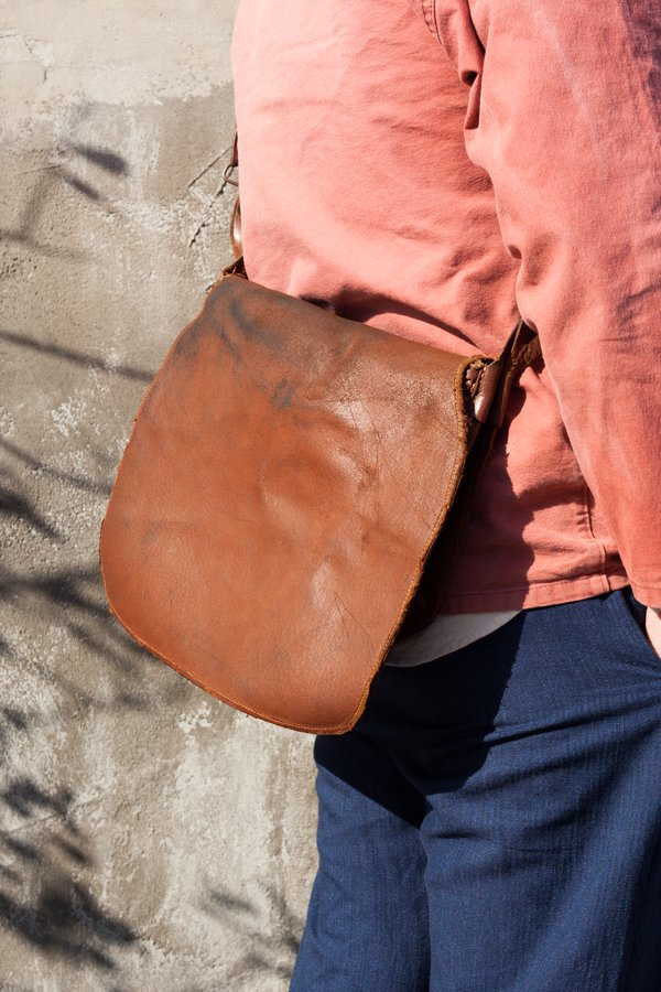 50-60'S FISHERMAN LEATHER BAG