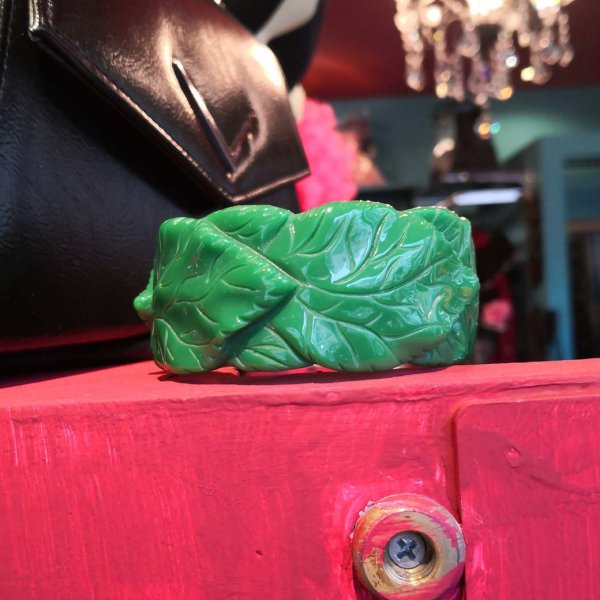 【Collectif】Carrie Carved Leaves Bangle