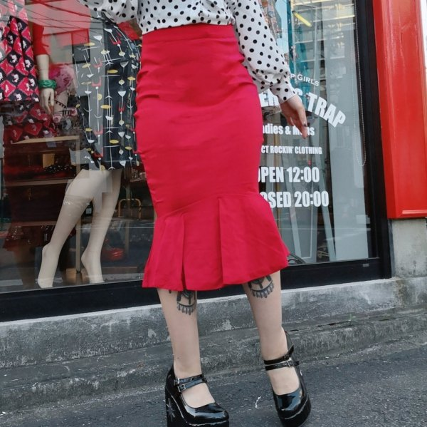【Unique Vintage 】Vintage 1960s Red Fishtail Lizette Wiggle Skirt