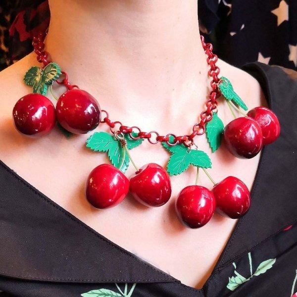 【Collectif】Vintage 40s Cherries Necklace