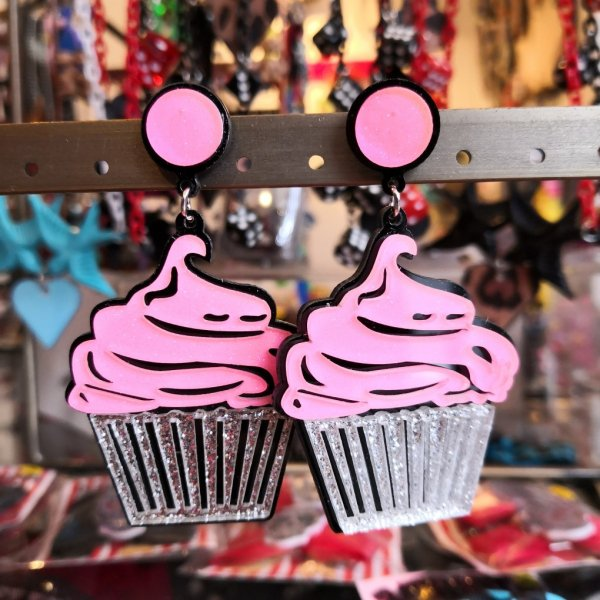 <img class='new_mark_img1' src='https://img.shop-pro.jp/img/new/icons1.gif' style='border:none;display:inline;margin:0px;padding:0px;width:auto;' />【SERECT】cupcake ピンクカップケーキピアス