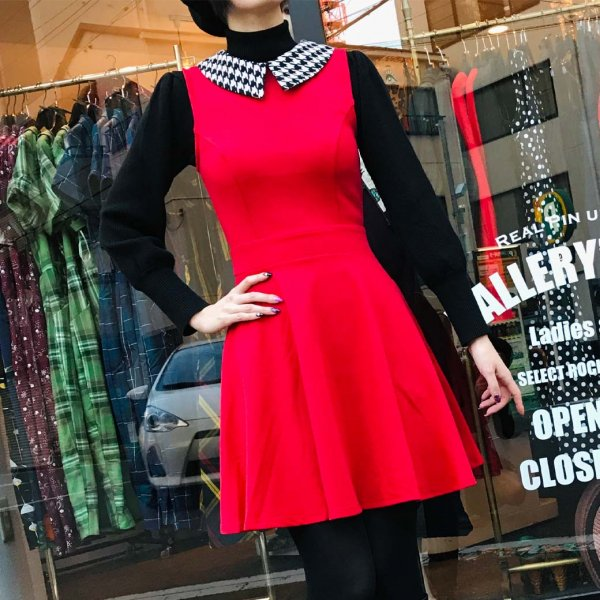 <img class='new_mark_img1' src='https://img.shop-pro.jp/img/new/icons1.gif' style='border:none;display:inline;margin:0px;padding:0px;width:auto;' />【Smak Parlour】Red & Houndstooth Collar Female Forward Flare Dress