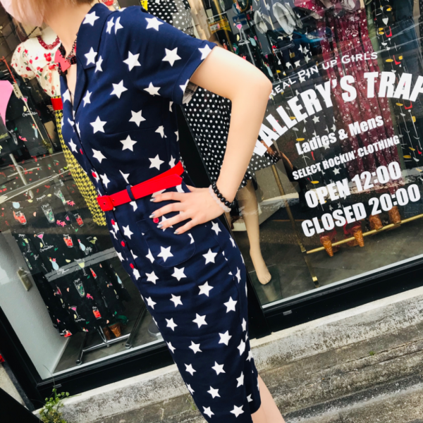 <img class='new_mark_img1' src='https://img.shop-pro.jp/img/new/icons1.gif' style='border:none;display:inline;margin:0px;padding:0px;width:auto;' />【Collectif】Stars Pencil Dress スターペンシルワンピース