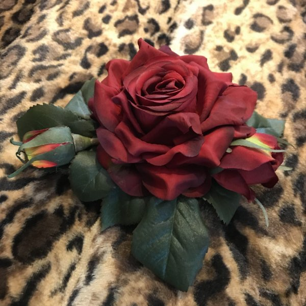 <img class='new_mark_img1' src='https://img.shop-pro.jp/img/new/icons1.gif' style='border:none;display:inline;margin:0px;padding:0px;width:auto;' />【Collectif】Rose Hair Flower 薔薇ヘアコサージュ