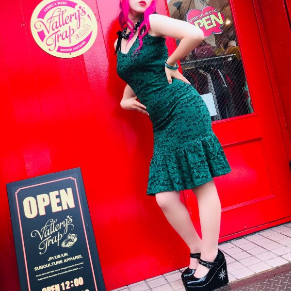 <img class='new_mark_img1' src='https://img.shop-pro.jp/img/new/icons1.gif' style='border:none;display:inline;margin:0px;padding:0px;width:auto;' />【Voodoo Vixen】Victoria Green Lace Wiggle Dress ヴィクトリアレースワンピース S (7-9号程度)
