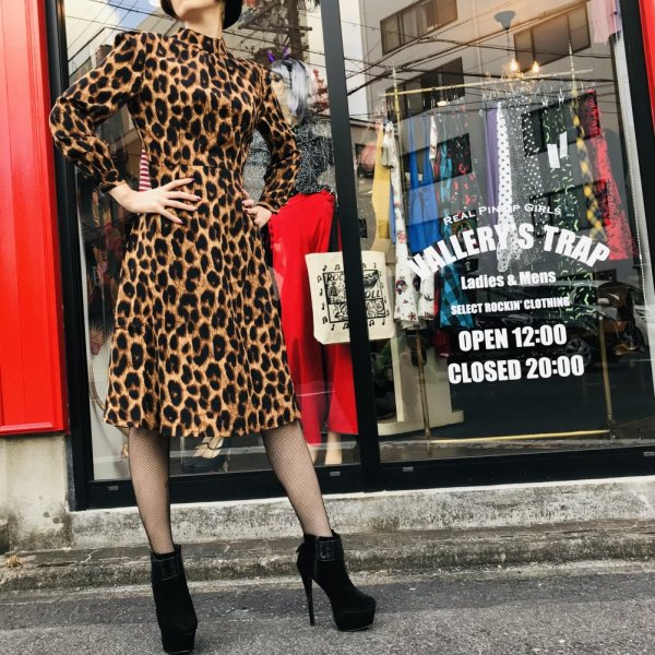<img class='new_mark_img1' src='https://img.shop-pro.jp/img/new/icons1.gif' style='border:none;display:inline;margin:0px;padding:0px;width:auto;' />【BANNED】LEOPARD LADY DRESS ビッグレオパード柄ワンピース
