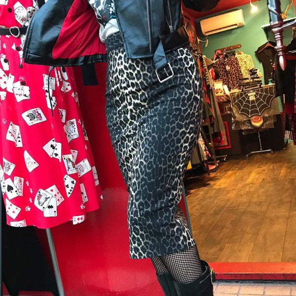 <img class='new_mark_img1' src='https://img.shop-pro.jp/img/new/icons1.gif' style='border:none;display:inline;margin:0px;padding:0px;width:auto;' />【HELLBUNNY】Panthera Pencil Skirt パンサーペンシルスカート