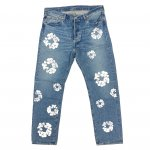 <img class='new_mark_img1' src='https://img.shop-pro.jp/img/new/icons24.gif' style='border:none;display:inline;margin:0px;padding:0px;width:auto;' />【40%OFF】 DENIM TEARS × LEVI'S (デニムティアーズ×リーバイス) / COTTON WREATH JEAN / LIGHT WASH