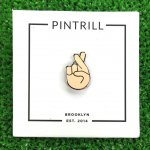 PINTRILL (ピントリル) / FINGERS CROSSED PIN