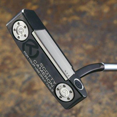 スコッティキャメロン ツアーパター Newport 2.5 tour Black GSS inlay with 20g circle T weights.