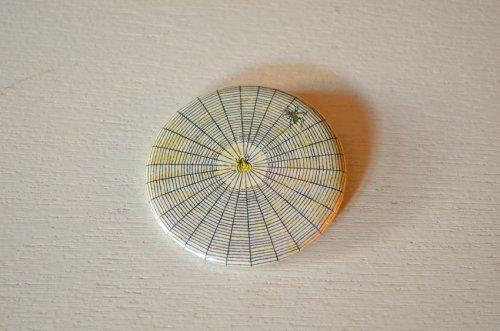 ジョンデリアンのカンバッジ 蜘蛛の巣