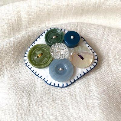 ヴィンテージボタンブローチ*グリーン&ブルー