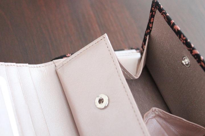 印伝 折り財布