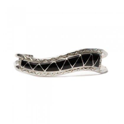 古着 通販 ナバホ ヴィンテージ バングル【STERLING】Coin Silver & Onyx Cluster